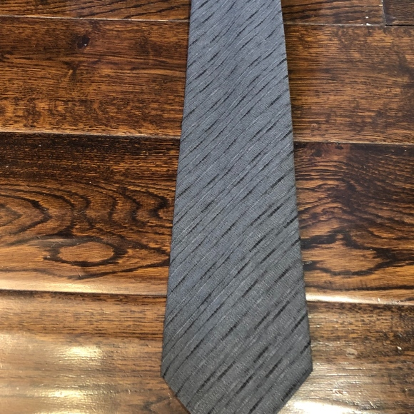 Hugo Boss Other - Hugo Boss Gray tie